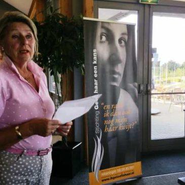 Nieuwegeinse Golf club sponsort St Geef Haar een Kans